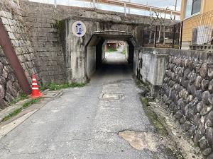 道路の穴ぼこ①